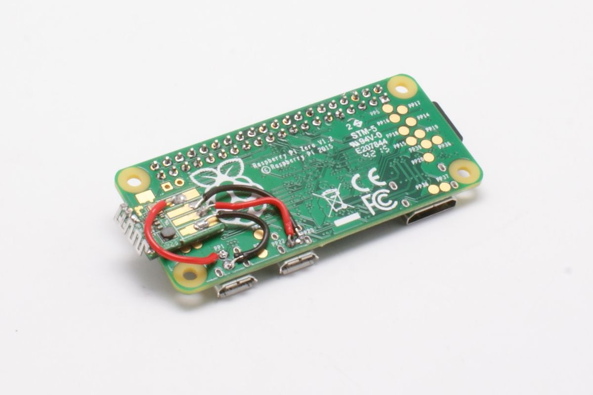 Raspberry Pi Zero with soldered Wifi-Dongle
